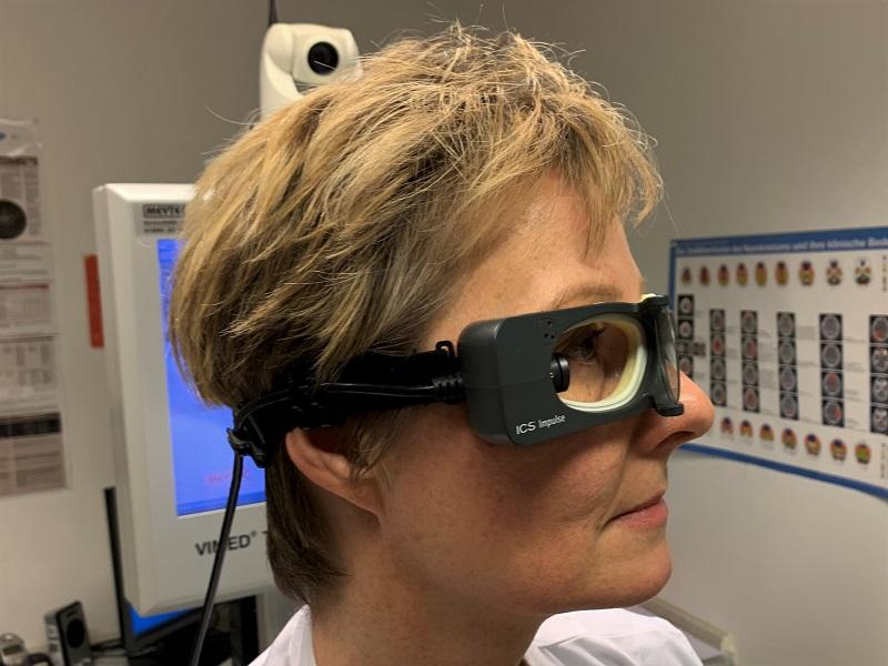 Schlaganfall oder nicht – die Schwindelbrille bringt sofortige Klärung
